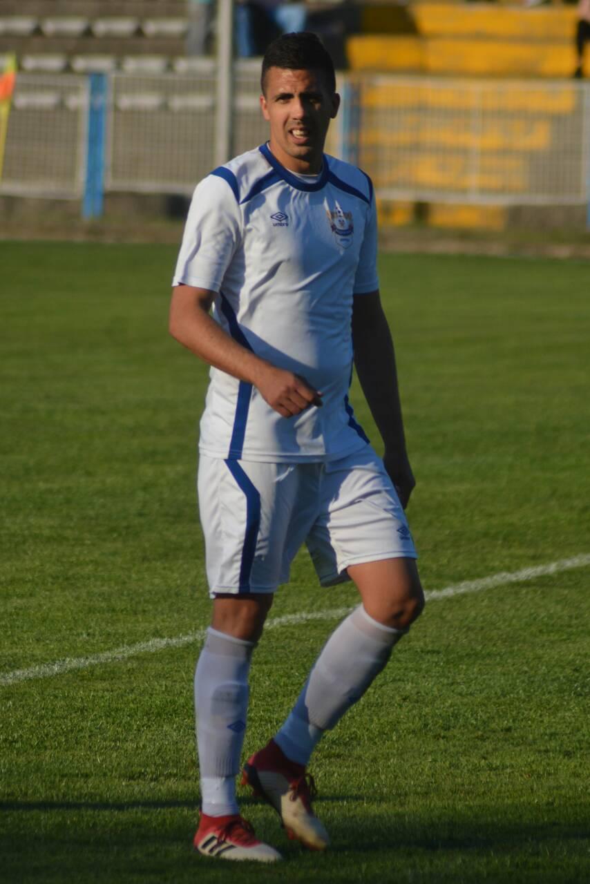 Photo of Sreća prati hrabre: Beli savladali imenjaka iz Svilajnca 4:2, Temnić igrao nerešeno u Nišu 0:0