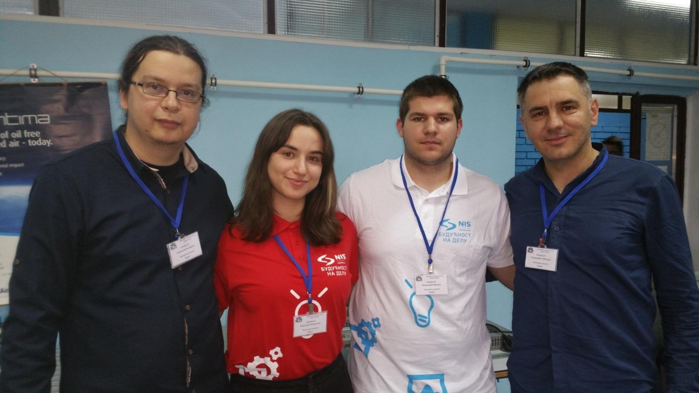 Photo of Martina Nikolić i Veljko Živković drugi na republičkom takmičenju iz mehatronike