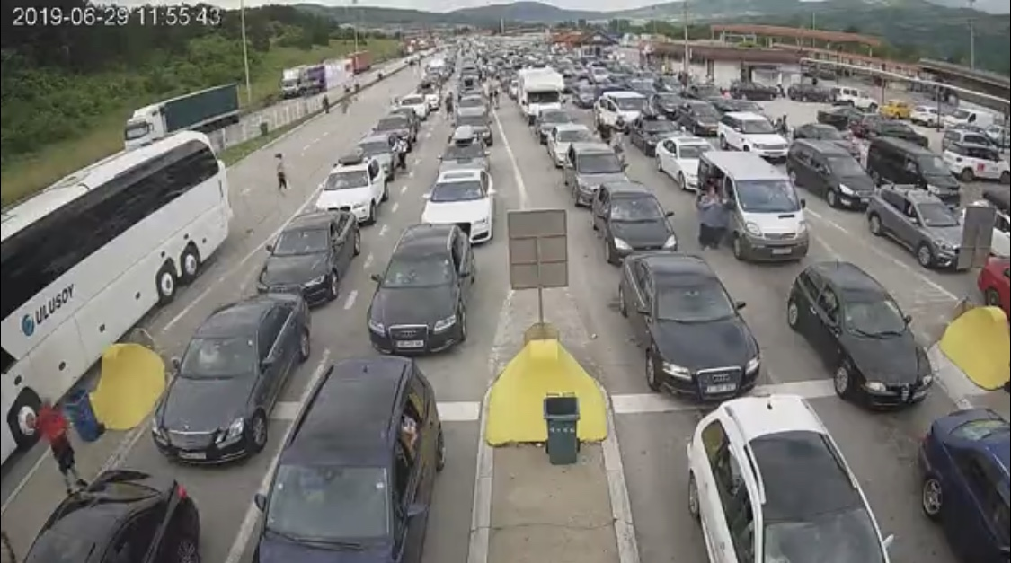 Photo of Kilometarske kolone na izlazu iz Srbije ka Bugarskoj