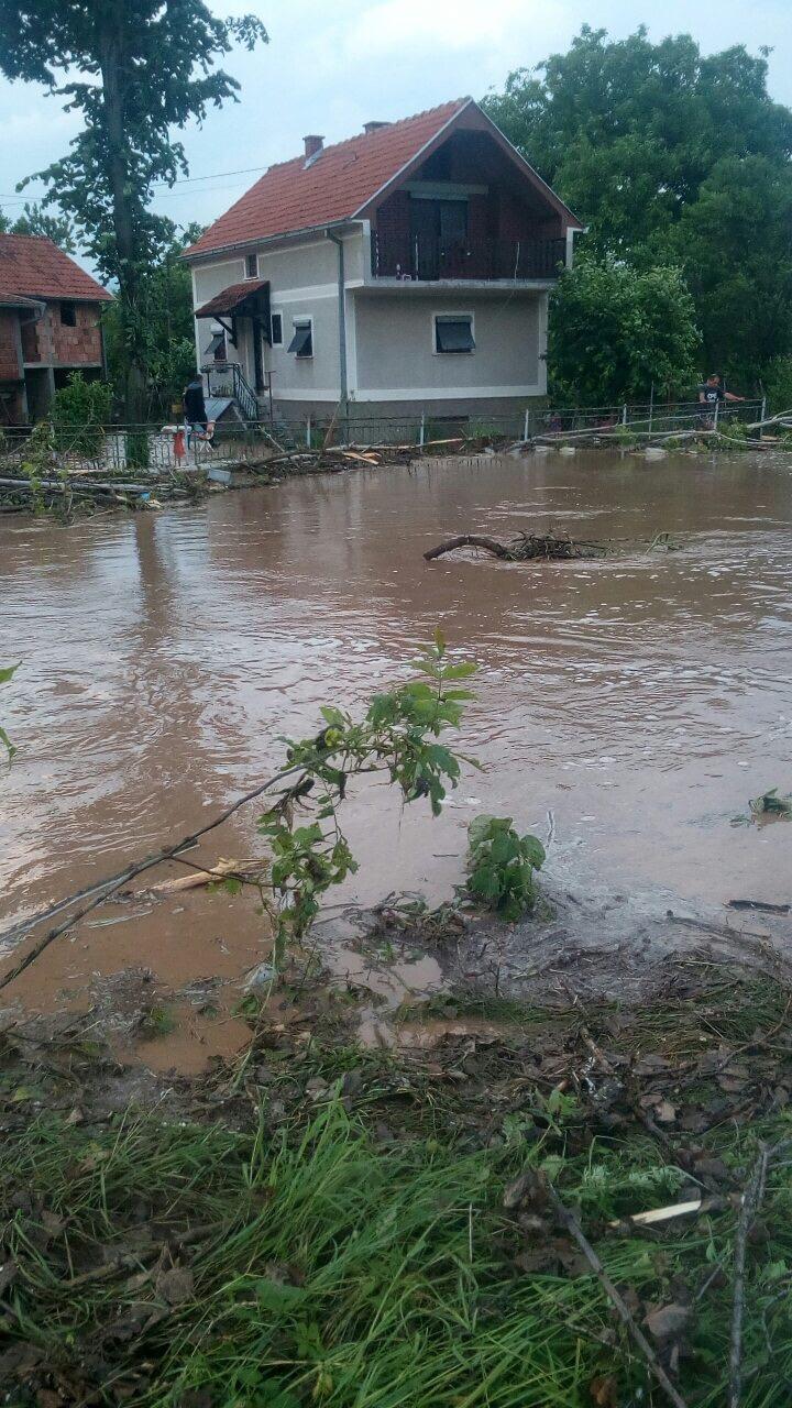 Photo of Provala oblaka u Sukovu. Sprečena poplava velikih razmera