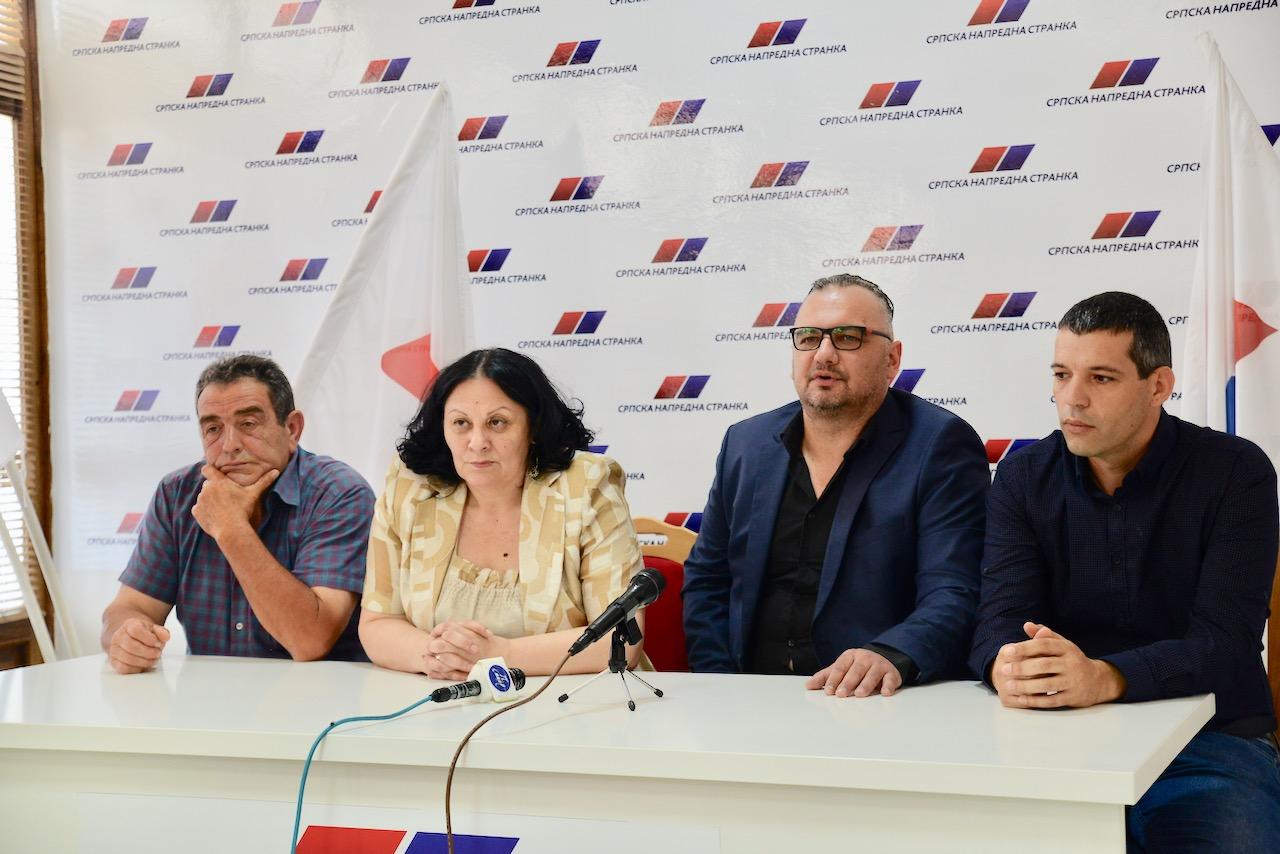 Photo of SNS u Babušnici jači za još tri odbornika. Pristupnice potpisali Dejan Lazarević, Zlatko Aleksić i Dalibor Jocić