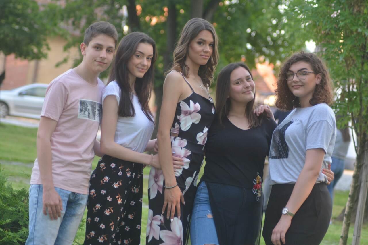 Photo of Maturanti Srednje stručne škole večeras slave maturu