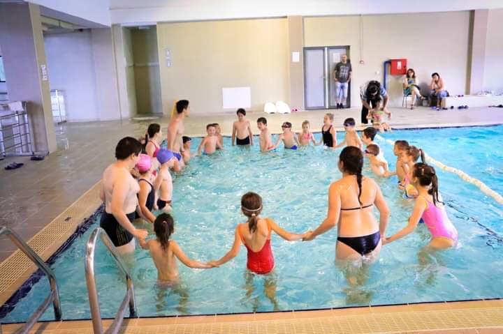 Photo of Besplatna škola plivanja u Zatvorenom bazenu