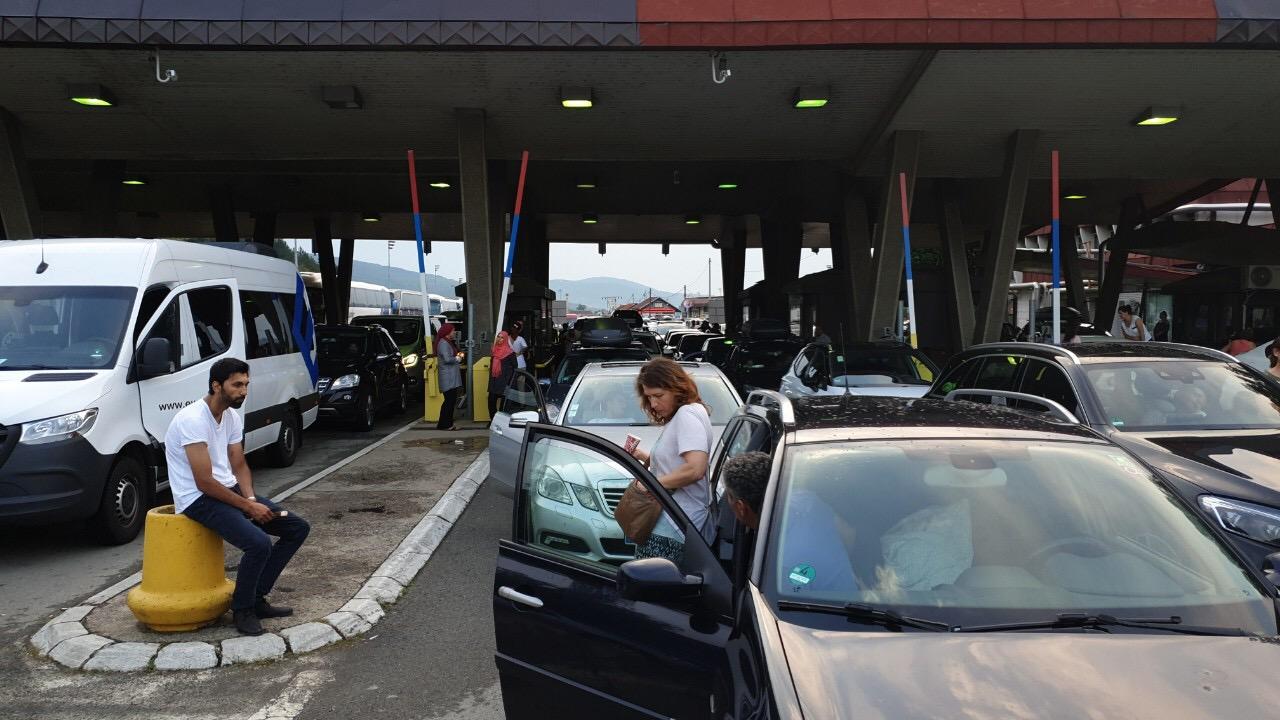 Photo of Bugarski mediji: Teška saobraćajka blokirala granicu između Bugarske i Srbije. Poginule dve osobe