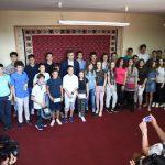 Grad podelio novčane nagrade najuspešnijim školarcima iz svih škola
