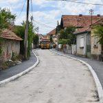 Asfaltira se Ulica Momčila Milutinovića u naselju Tanasko Rajić