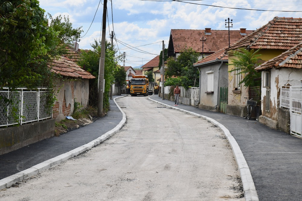 Photo of Asfaltira se Ulica Momčila Milutinovića u naselju Tanasko Rajić