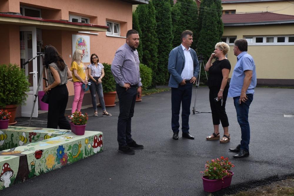 Photo of Direktorka Milka Colić: Radi se u svim vrtićima. Danas počinju radovi u Prvomajskom cvetu