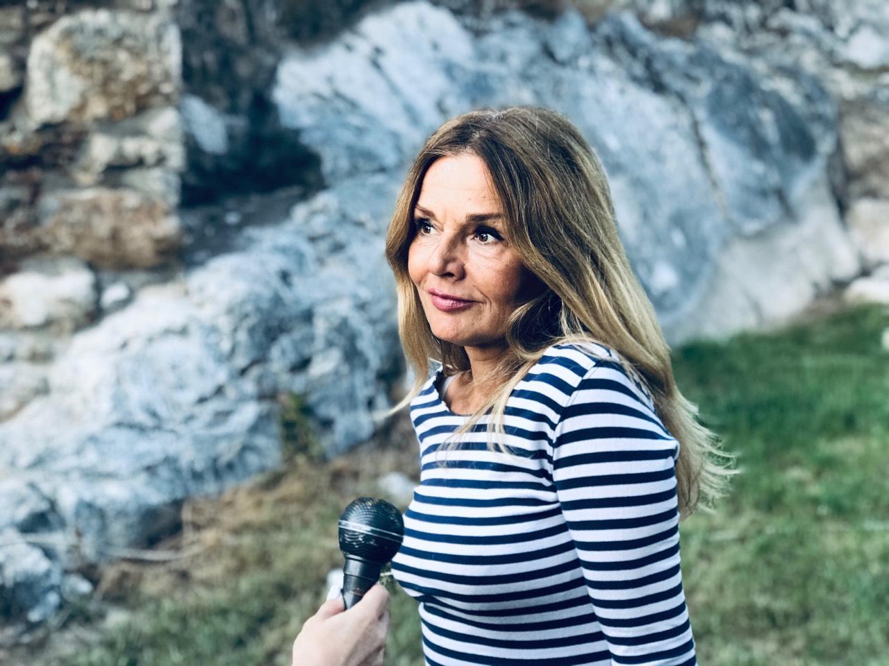 Photo of Mirjana Bobić Mojsilović u Pirotu: Samo knjige nam mogu pružiti osećanje da nismo bezvredni