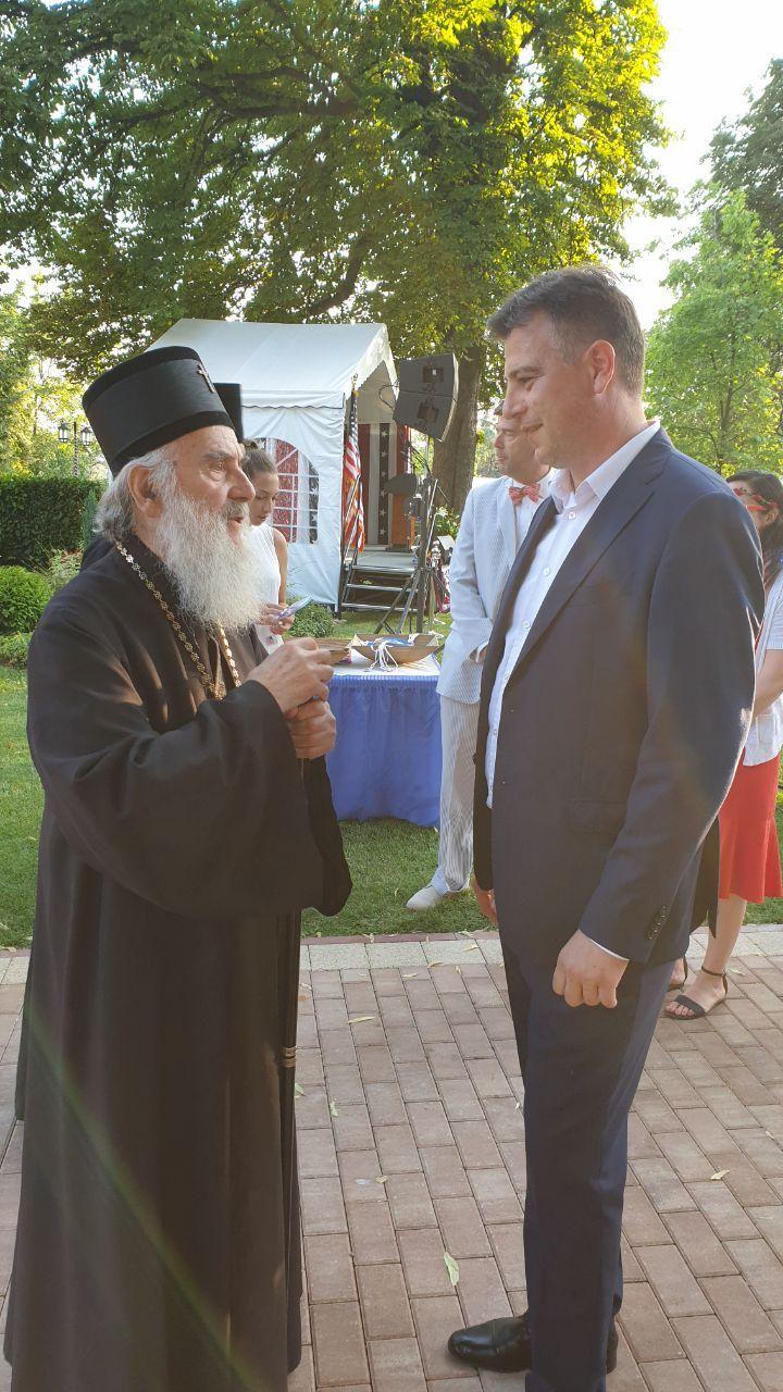 Photo of Vasić na prijemu u ambasadi SAD povodom Dana nezavisnosti