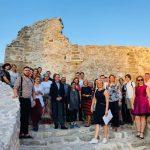 Predstavnici desetak ambasada u Pirotu. Danas popodne obišli tvrđavu Momčilov grad, sutra Tkačku koloniju