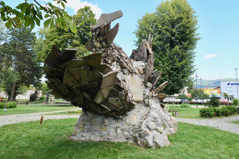 Photo of Mojsilov: Sve svoje skulpture pokloniću Gradu Pirotu, u selu Vlasi školu pretvaramo u muzej
