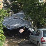 Vetar odneo kompletan krov sa zgrade u Branka Radičevića