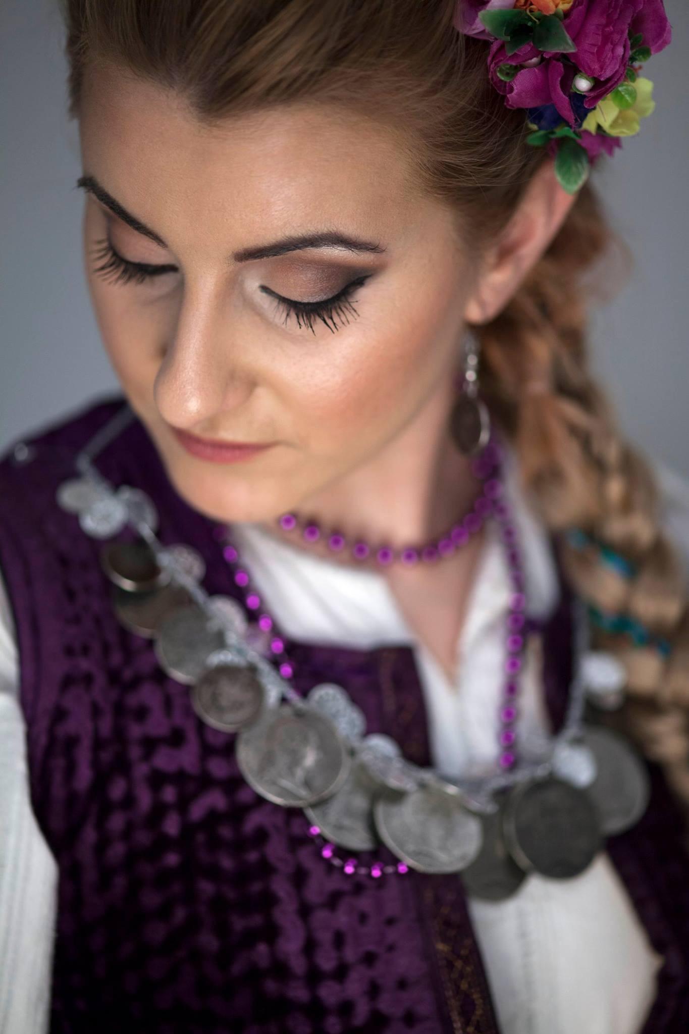 Photo of Piroćanka Ana Ćirić predstaviće pirotsku nošnju u Oficirskom domu u Nišu