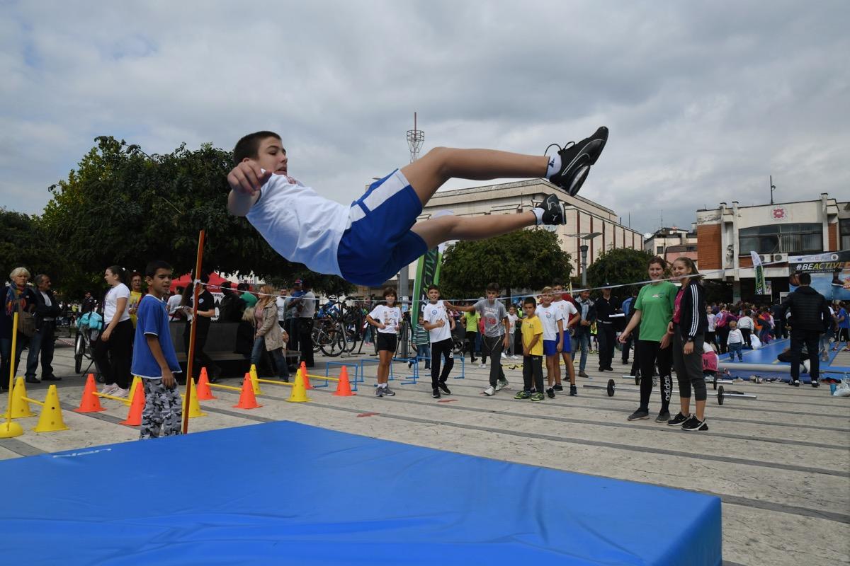 Photo of Pirot oborio rekorde – vežbalo 6.000 ljudi
