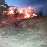 Veljkovićima u Šljivoviku izgorelo preko 7.000 bala sena!