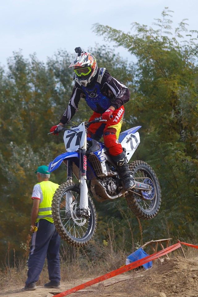 Photo of Marko Kostić sa prelomom ključne kosti osvojio titulu prvaka države u motokrosu (VIDEO)