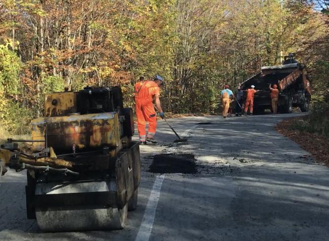 Photo of Nov asfalt na delu regionalnog puta Pirot-Dimitrovgrad preko Stare planine