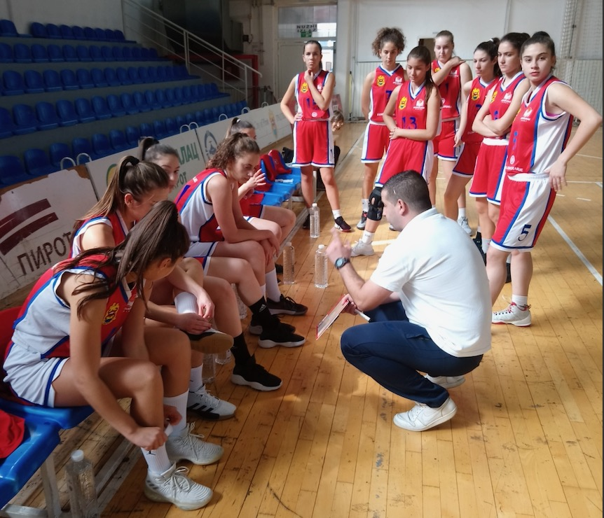 Photo of Košarkašice startovale pobedom!