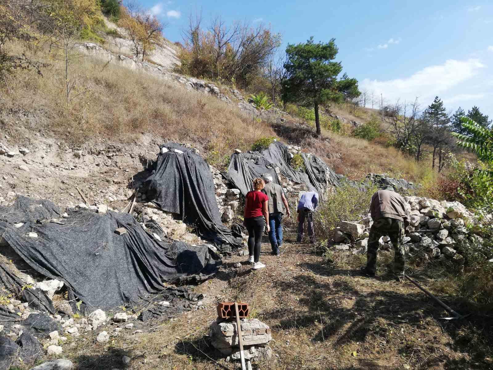 Photo of Priprema se teren za obiman projekat konzervacije i restauracije ali i održivo korišćenje antičkog utvrđenja Turesa na Sarlahu