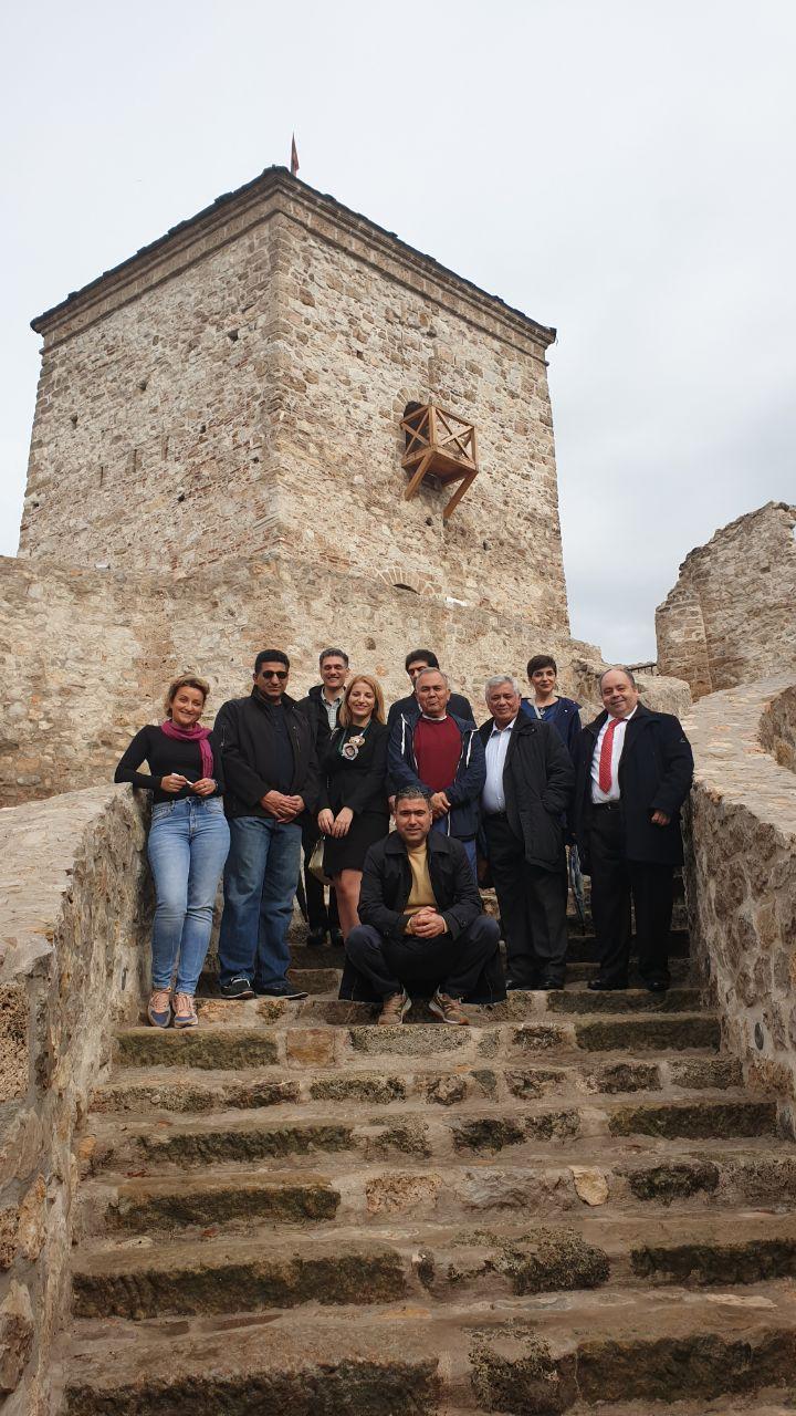 Photo of Ambasadori Arapske grupe obišli Kej, tvrdjavu Momčilov grad, Mlekarsku školu, Damsko srce…