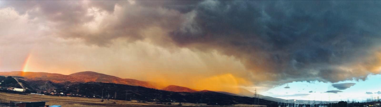 Photo of Prelepa duga, grad, grmljavina, kiša. Fenomenalan prizor na nebu iznad Pirota