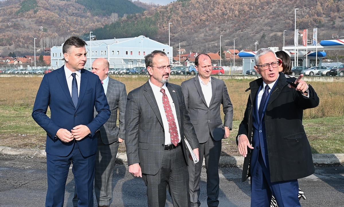 Photo of Novoimenovani ambasador SAD Entoni Godfri posetio Pirot i Slobodnu zonu Pirot