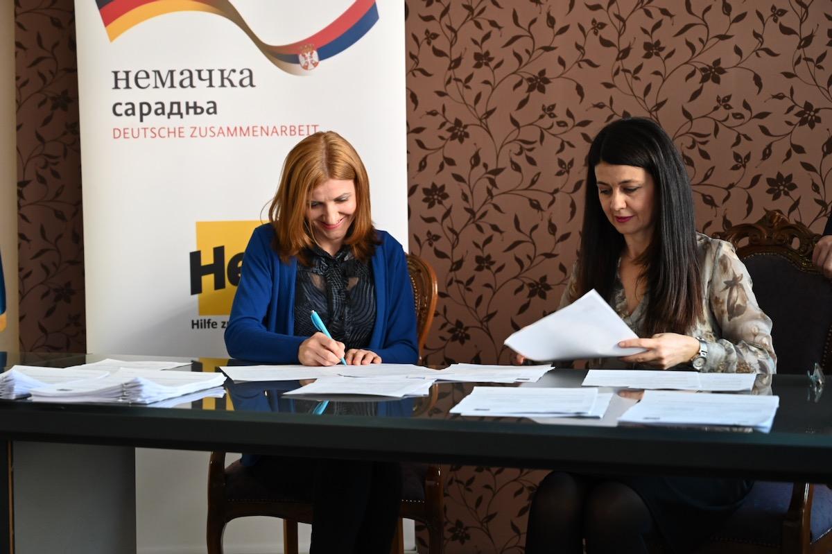 Photo of 433 malih biznisa dobilo podršku Grada Pirota i HELP-a u Pirotu. Otvorena čitava fabrika srednje veličine