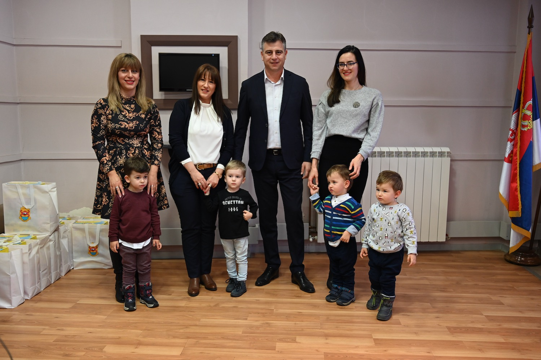 Photo of Zahvaljujući programu finansiranja vantelesne oplodnje Grada Pirota rođeno preko 40 mališana