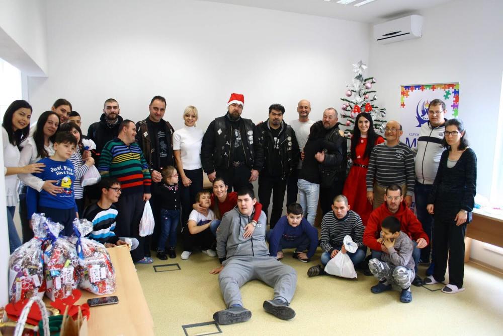 Photo of Bajkeri podelili paketiće mališanima iz dnevnog boravka Udruženja MNRL u Pirotu