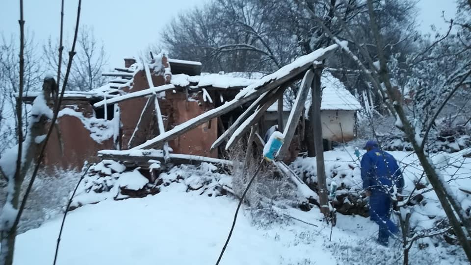 Photo of Radioamateri iz sela Sinja Glava dovezli u veoma teškom stanju meštanina ovog sela koji je živeo u krajnje nehumanim uslovima i potrebna mu je pomoć