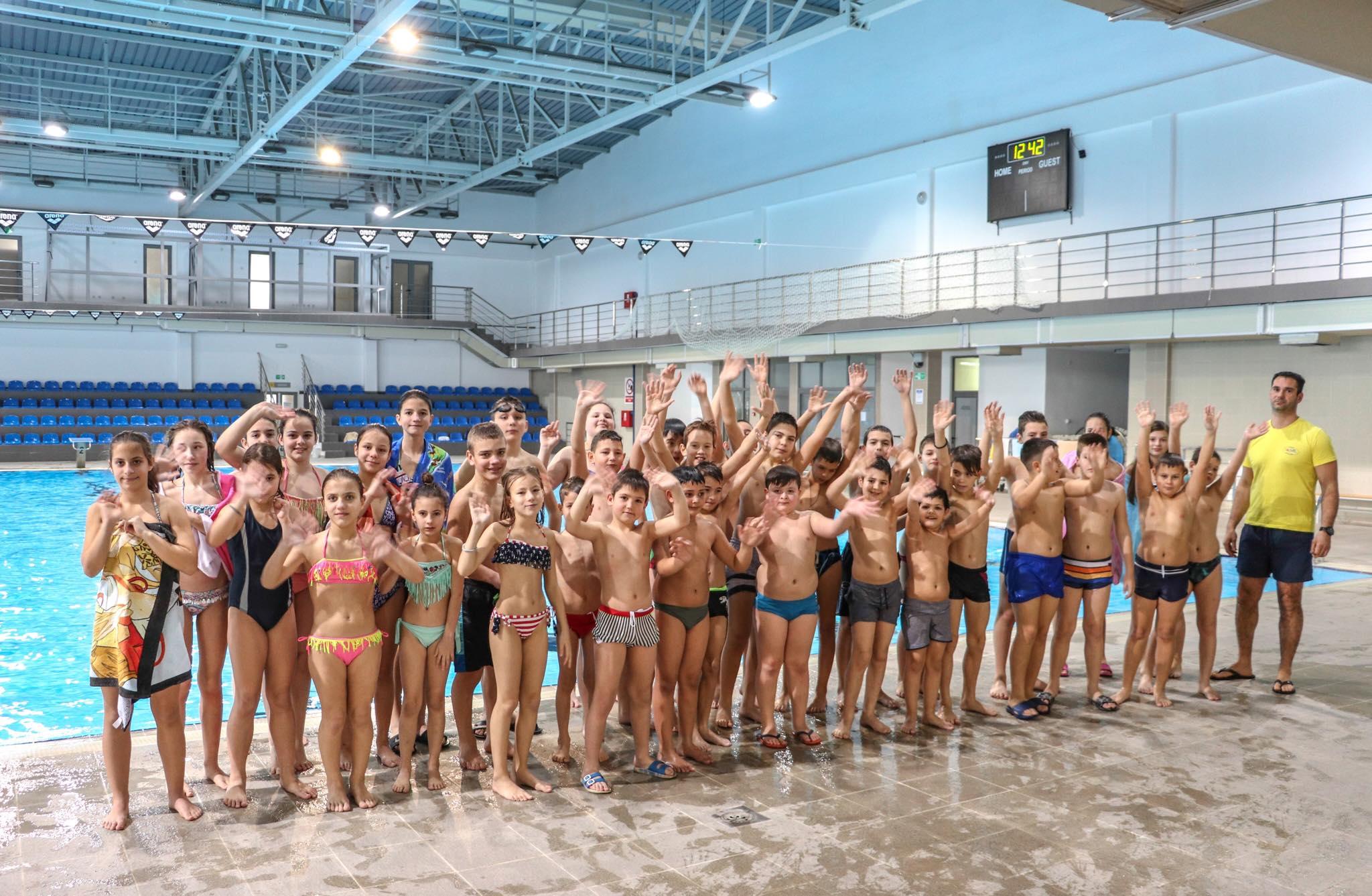 Photo of U čarima Zatvorenog bazena u Pirotu uživali i mališani iz Bele Palanke