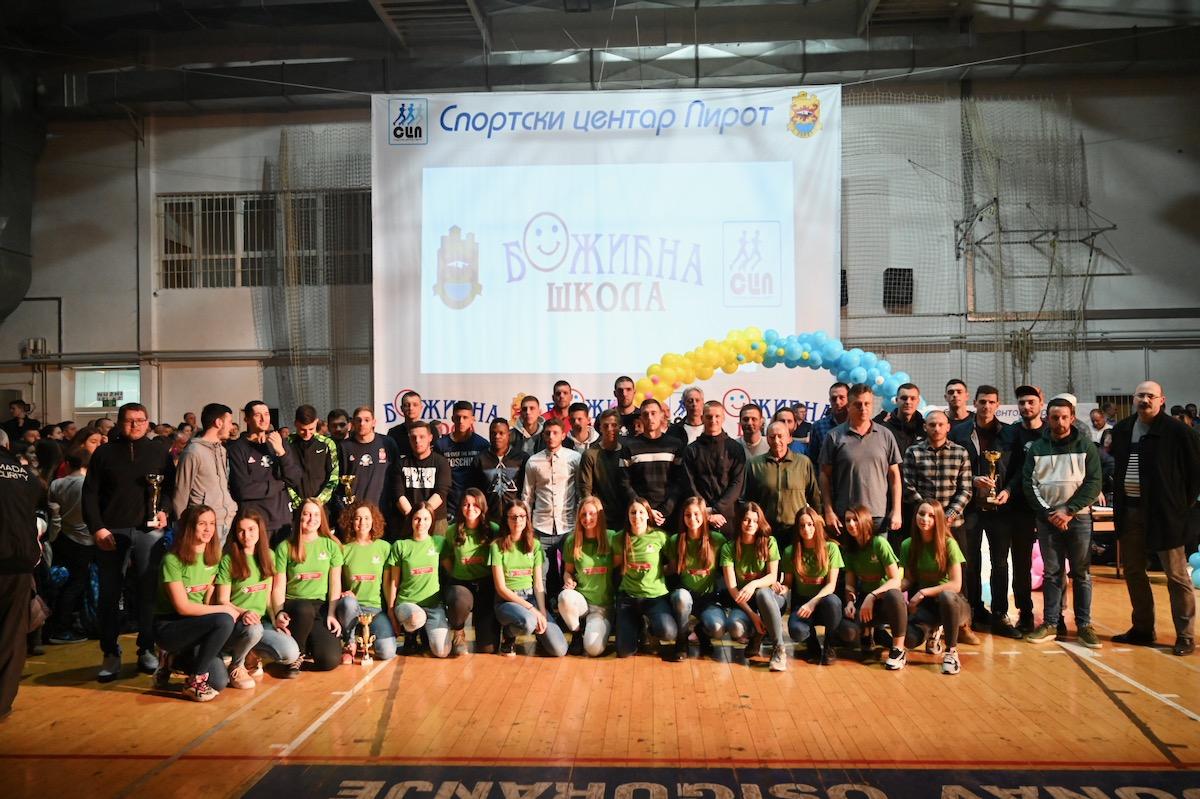 Photo of Vasić: Božićna škola sporta na pravi put izvela na hiljade mališana