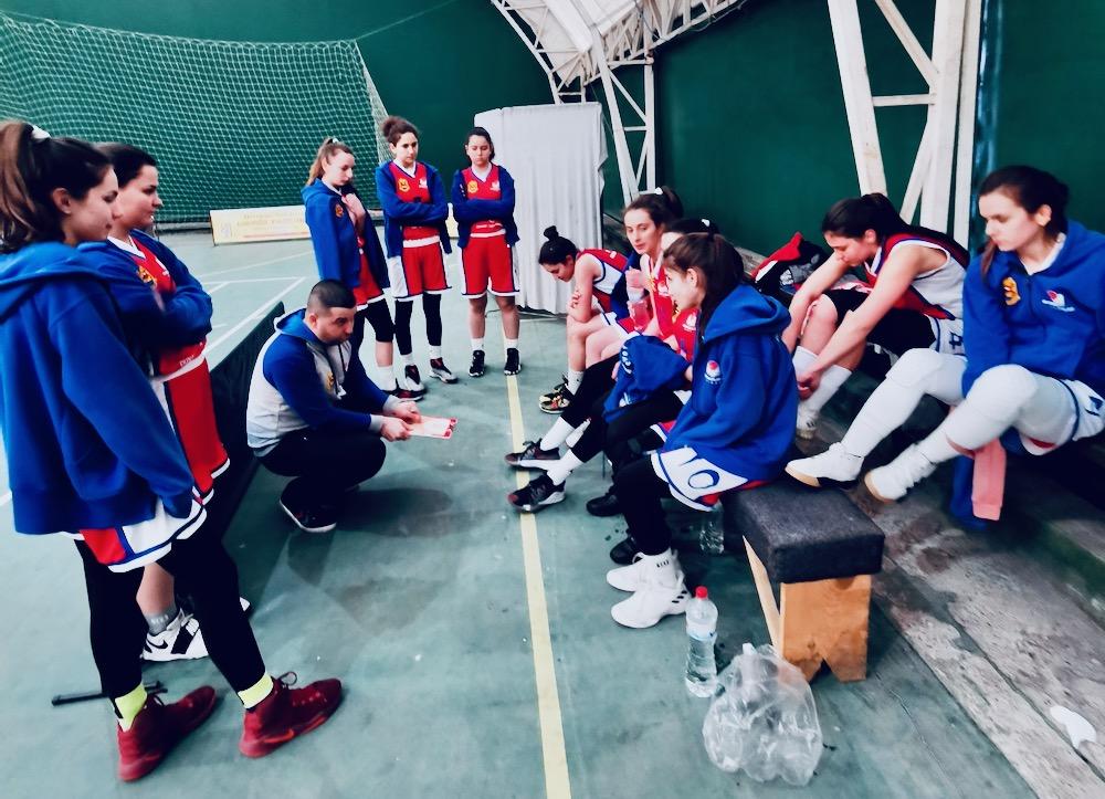 Photo of Košarkašice Gimnazijalca uprkos nehumanim uslovima za igru savladale ekipu Svrljiga