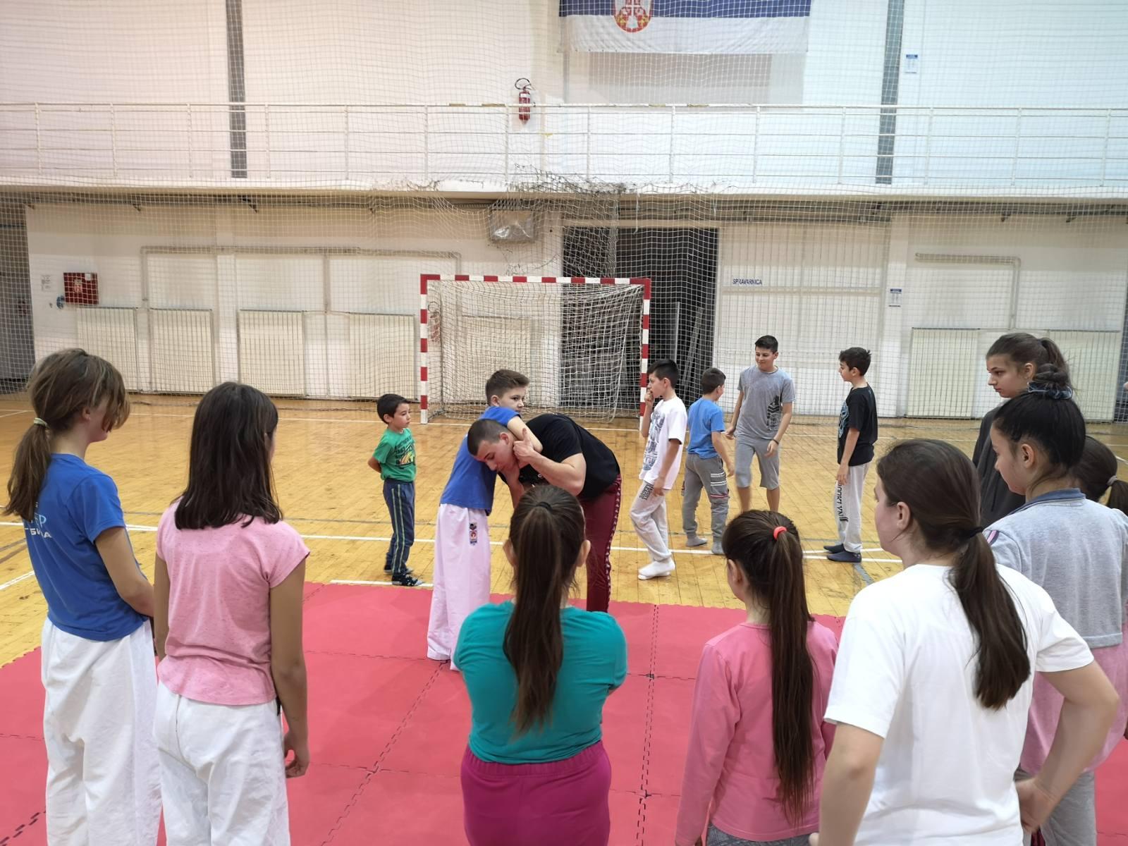 Photo of Po prvi put na Božićnoj školi sporta: Škola samoodbrane i džiju-džicu