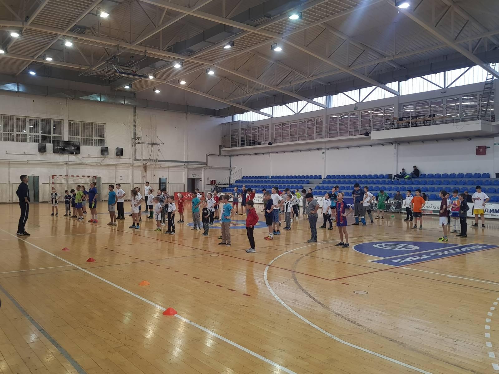 Photo of Božićna škola sporta krenula punom parom. Ogromno interesovanje za karate, fudbal, košarku, plivanje…