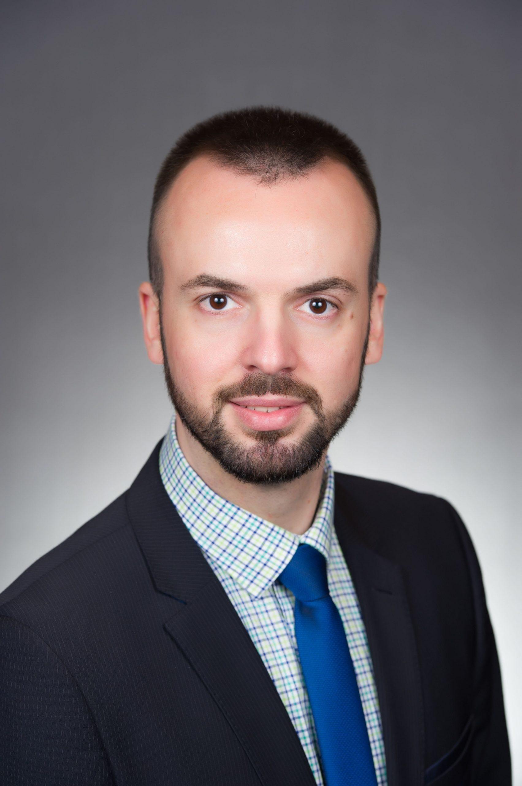 Photo of Dr Veselinović, Piroćanac – subspecijalista infektologije u SAD poručuje: Glavni borci protiv virusa smo svi mi, svako od nas ponaosob