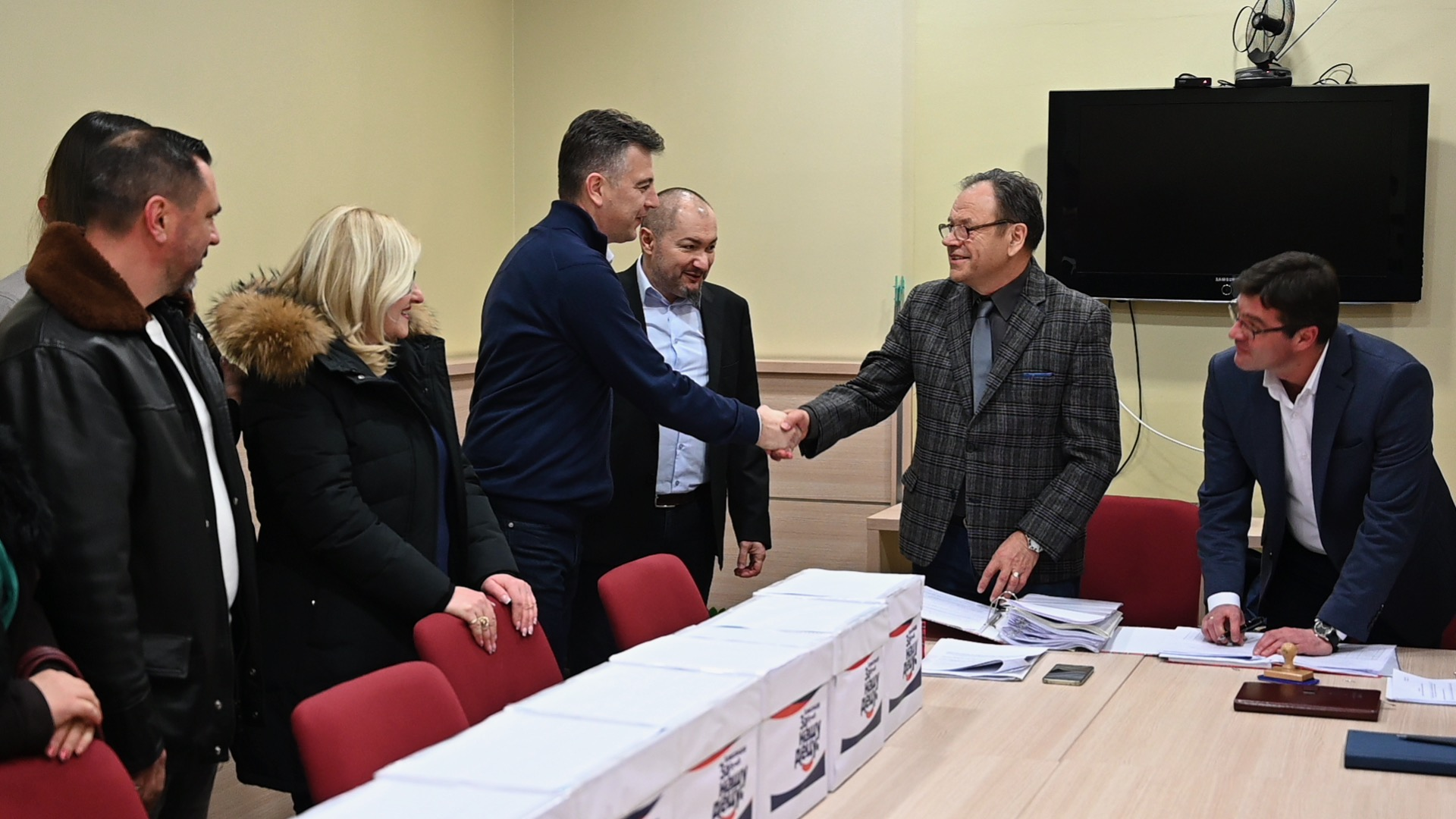 """Photo of Predata prva odbornička lista za lokalne izbore u Pirotu – """"Aleksandar Vučić – za našu decu"""""""
