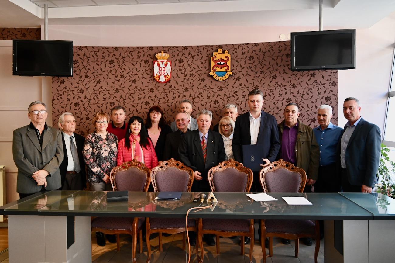 Photo of Vasić: Lokalna samouprava u Pirotu brine o svim kategorijama stanovništva