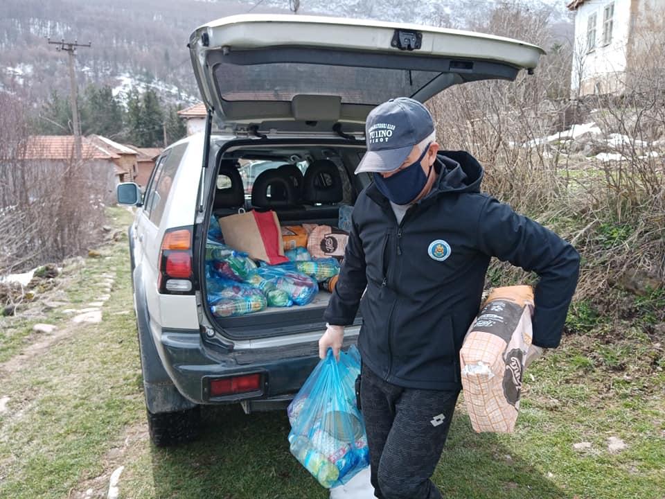 Photo of Podeljeni paketi ugroženim staroplanincima u selima Visočka Ržana i Rosomač, pomoć i meštanima Slavinje i Jelovice