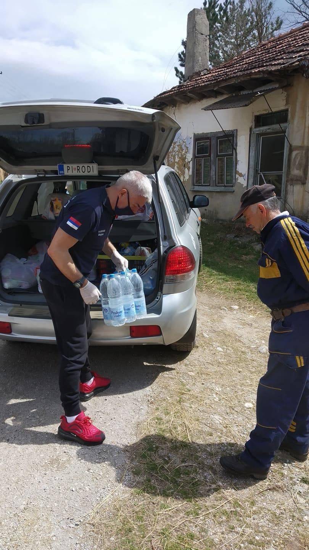 Photo of Lekovi i pomoć za meštane svih sela