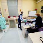 Štab za vanredne situacije: Podela zaštitne opreme pirotskim medicinarima. Pripremaju se paketi za stare i ugrožene