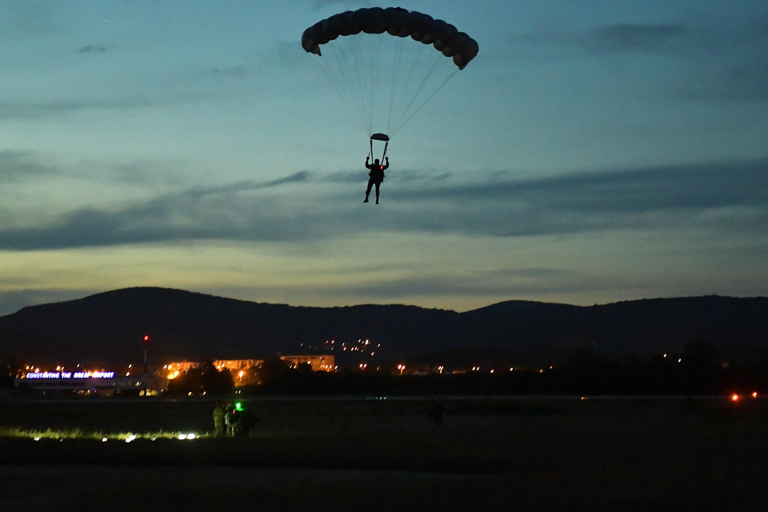 noćni skokovi 63. padobranske brigade