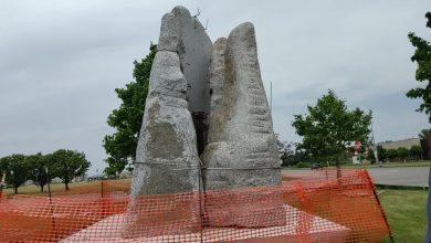 Photo of Zoran Mojsilov pravi svoju najvišu kamenu umetničku instalaciju visine preko 10 metara
