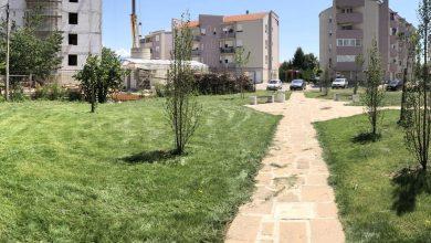 Photo of Uređen park između zgrada na uglu Ćirila i Metodija i  Bogojavljanske ulice – nova mala zelena oaza u naselju Senjak