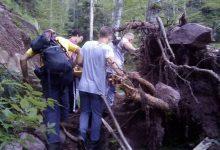 Photo of Drama sa srećnim krajem u vrletima Stare planine! Ekipa Hitne pomoći izvukla teško povređenu planinarku iz duboke jaruge sa otvorenim prelomom noge!