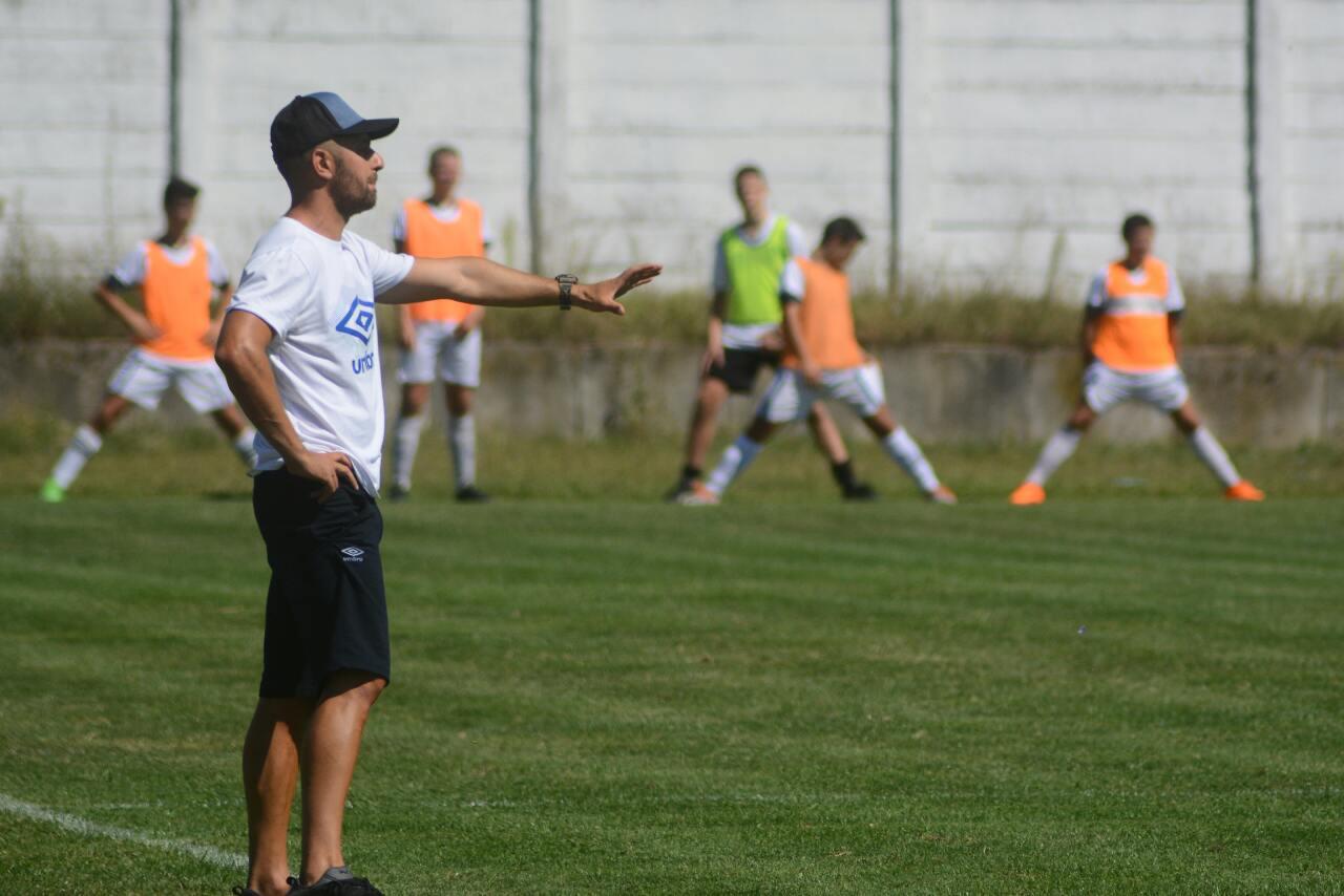 Trener kadeta Radničkog Bratislav Savić