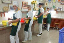 Photo of Zlatna plaketa za mlade pekare, učenike Mlekarske škole u Pirotu