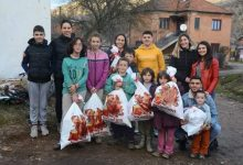 Photo of Mladi humani Piroćanci obradovali mališane iz višečlane porodice u Rsovcima!