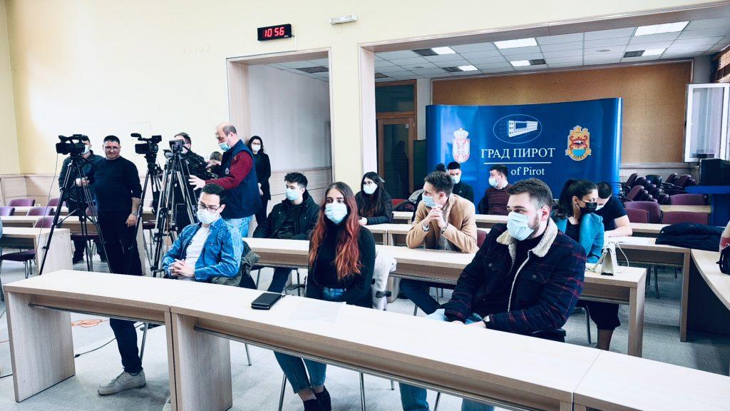 studentske stipendije grada pirota